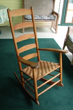 Tappan Chair © Adam Nudd-Homeyer. Chair made by Daniel Tappan or his sons Walter and Winthop, ca. 3rd-4th quarter of the 19th century, collection of the Heard family, Sandwich, NH, USA. Thanks to Jane Duran.